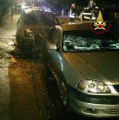 Auto in fiamme a Montemurlo, sono aperte le indagini