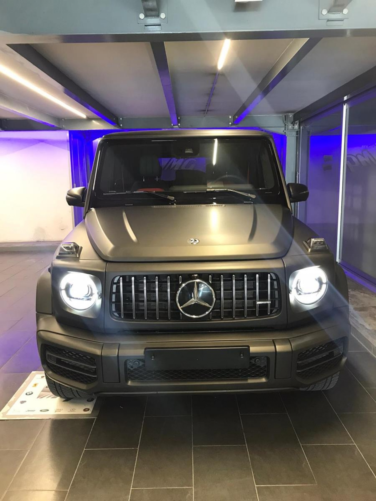 Wrapping auto Mercedes classe G nero opaco