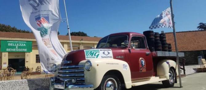 Gruppo MG Vintage presente alla Fortezza da Basso (Firenze) in collaborazione con American Diner 1950