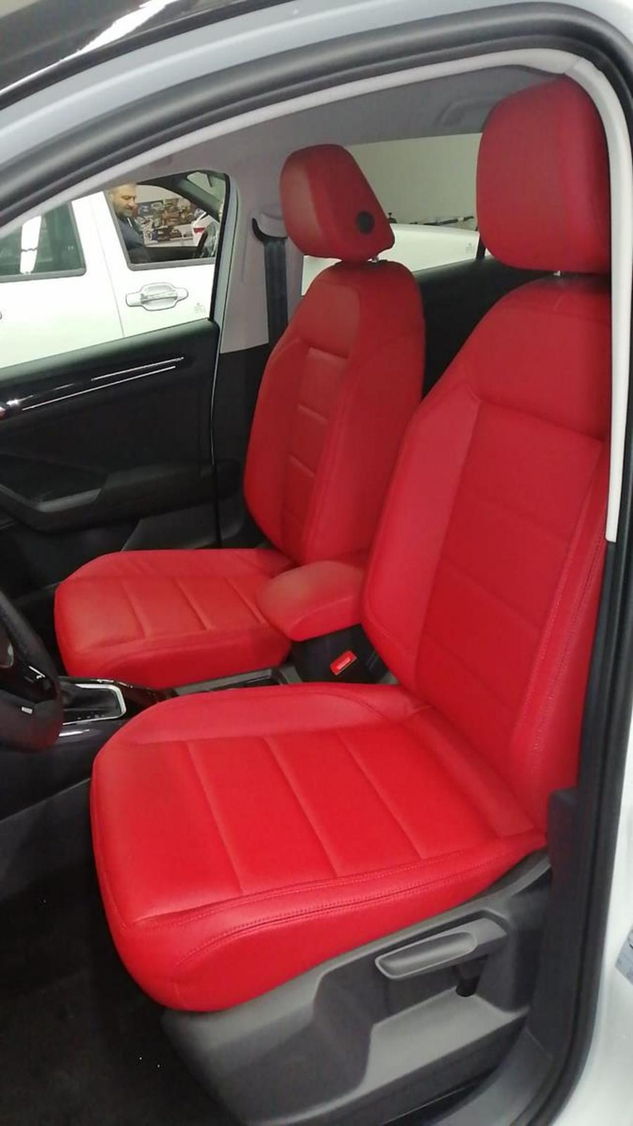 T-Roc in rosso 5200 Panama