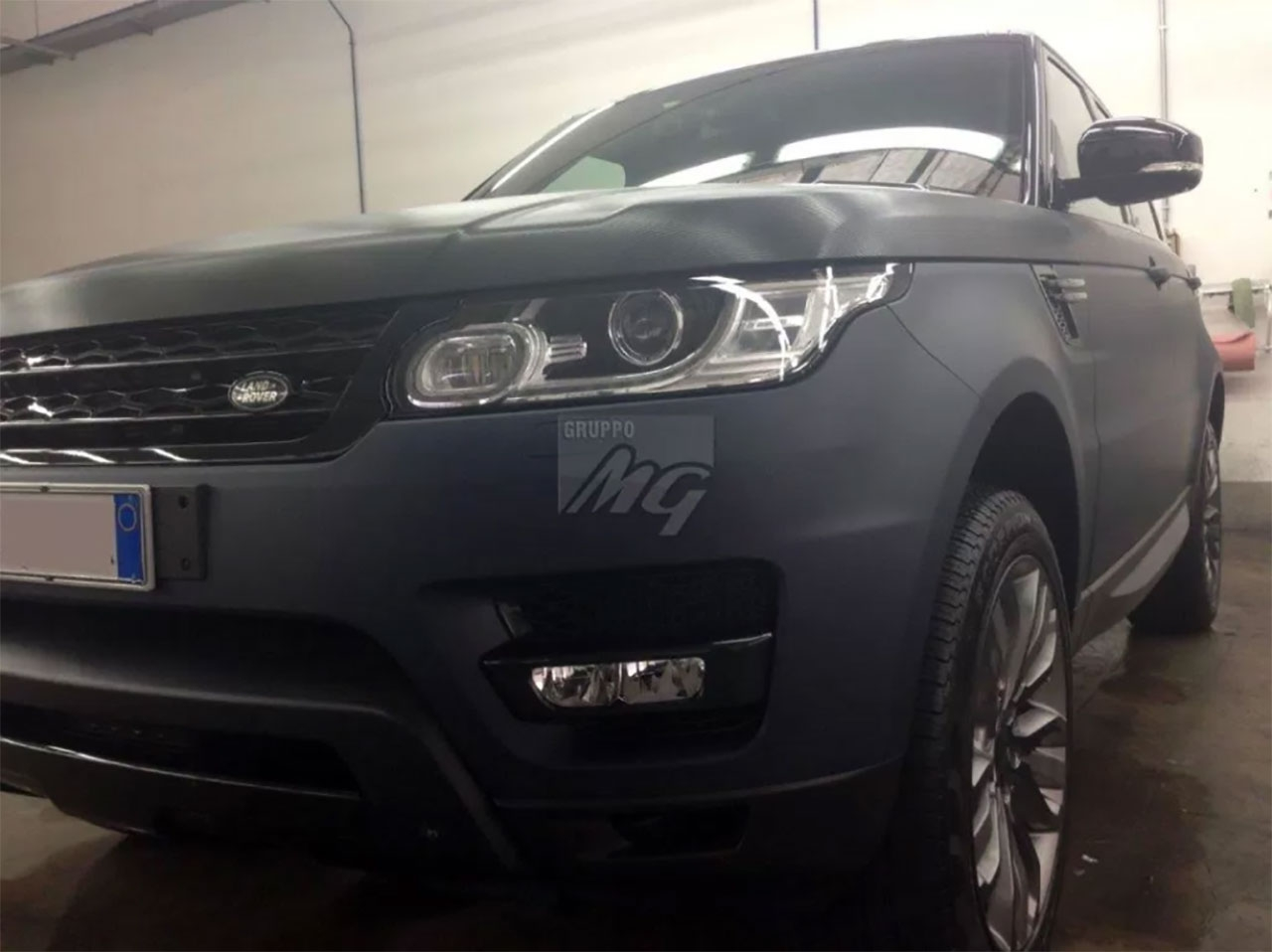 NUOVO RANGE ROVER SPORT – WRAPPING AUTO BLU OPACO